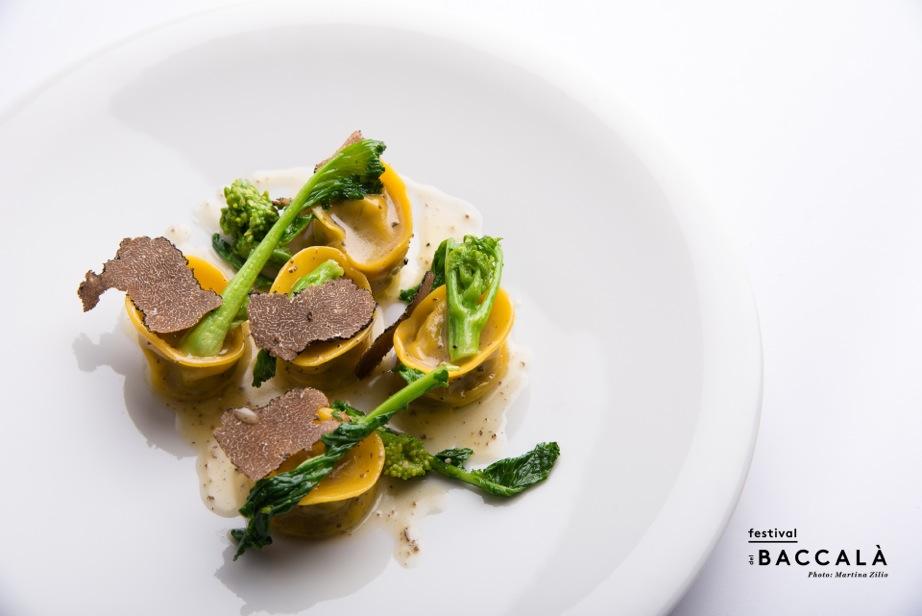 Bolzano_Ravioli di Baccalà alla Cacciatora, tartufo nero_Chef Claudio Melis_Zur Kaiserkron