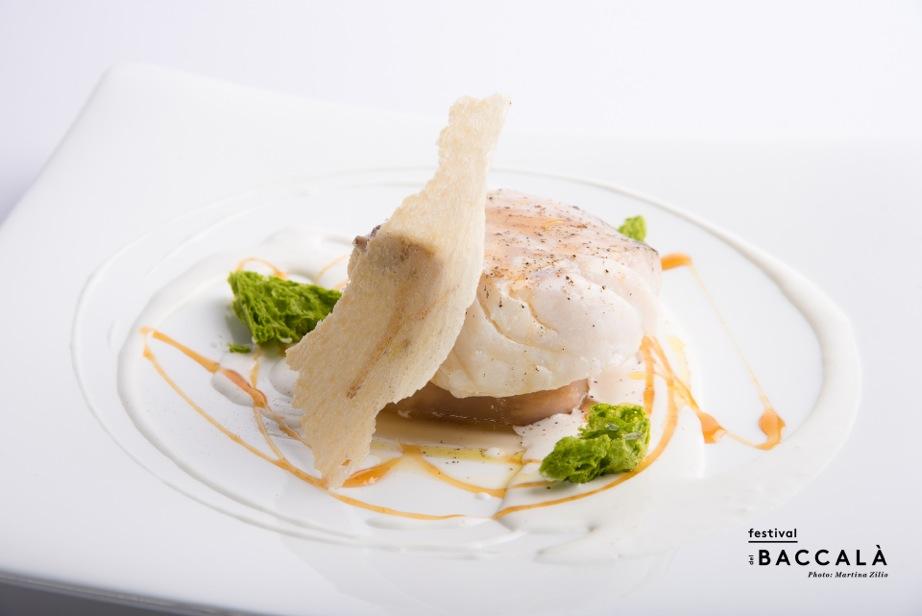 Venezia_Baccalà al latte di capra con verzottino e riduzione di pera_Chef Martino Scarpa_Osteria Ai Do Campanili