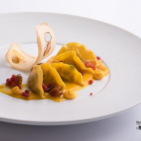 Vicenza_Ravioli di stoccafisso, zucca, caviale di lampone_Chef Renato Rizzardi_La Locanda di Piero